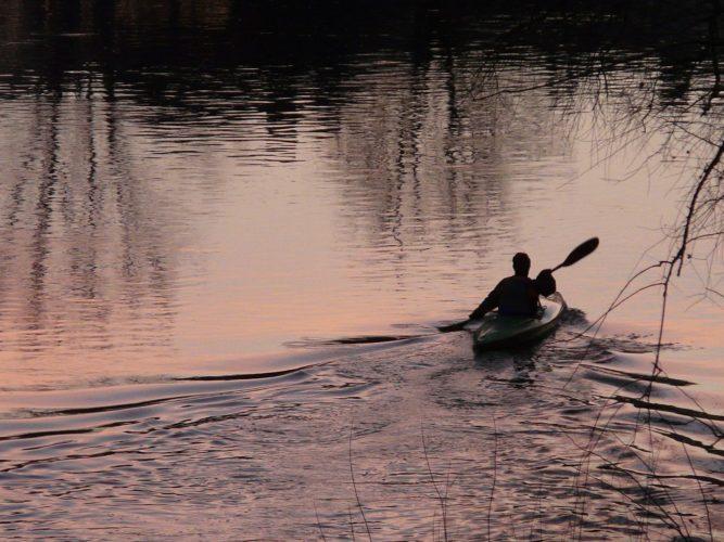 kajak kajakarze spływ woda